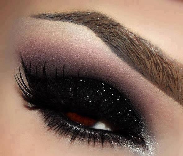 Shweta Sachani Smokey eye makeup