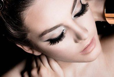 Shweta sachani Monsoon makeup look