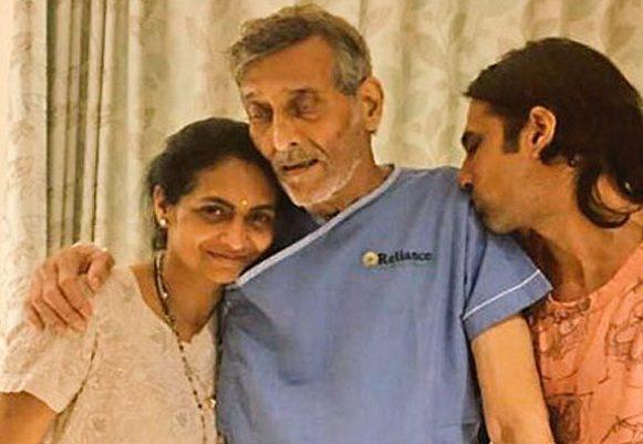 Vinod Khanna dies of cancer