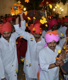 Vikram Singh Puar carries forward the centuries-old tradition of Dindi Yatra on Janmashtami