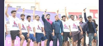 Abhishek Bachchan visits JECRC with his team; Jaipur Pink Panthers