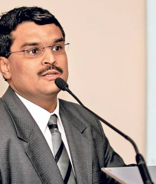 From an engineer in BSE to India's leading technocrat, Jignesh Shah has risen well
