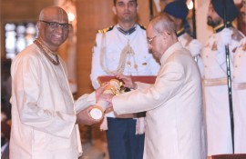 President Pranab Mukherjee felicitated Madhu Pandit Dasa with Padma Shri award